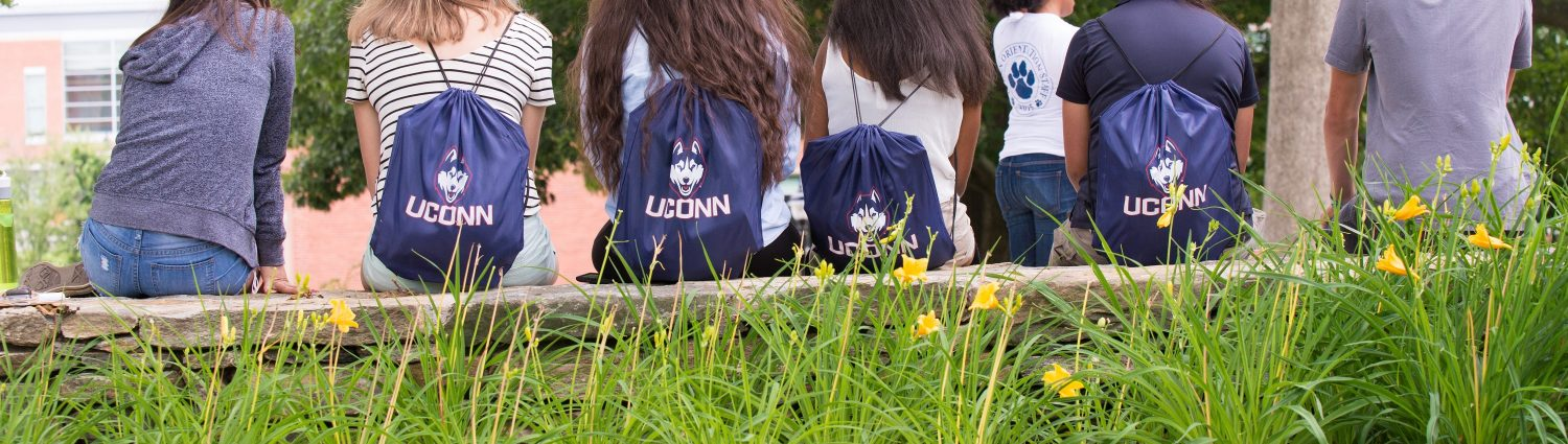 Uconn students wearing upon backpacks durring an orientation tour on June 29, 2015. (sean flynn/UConn Photo)